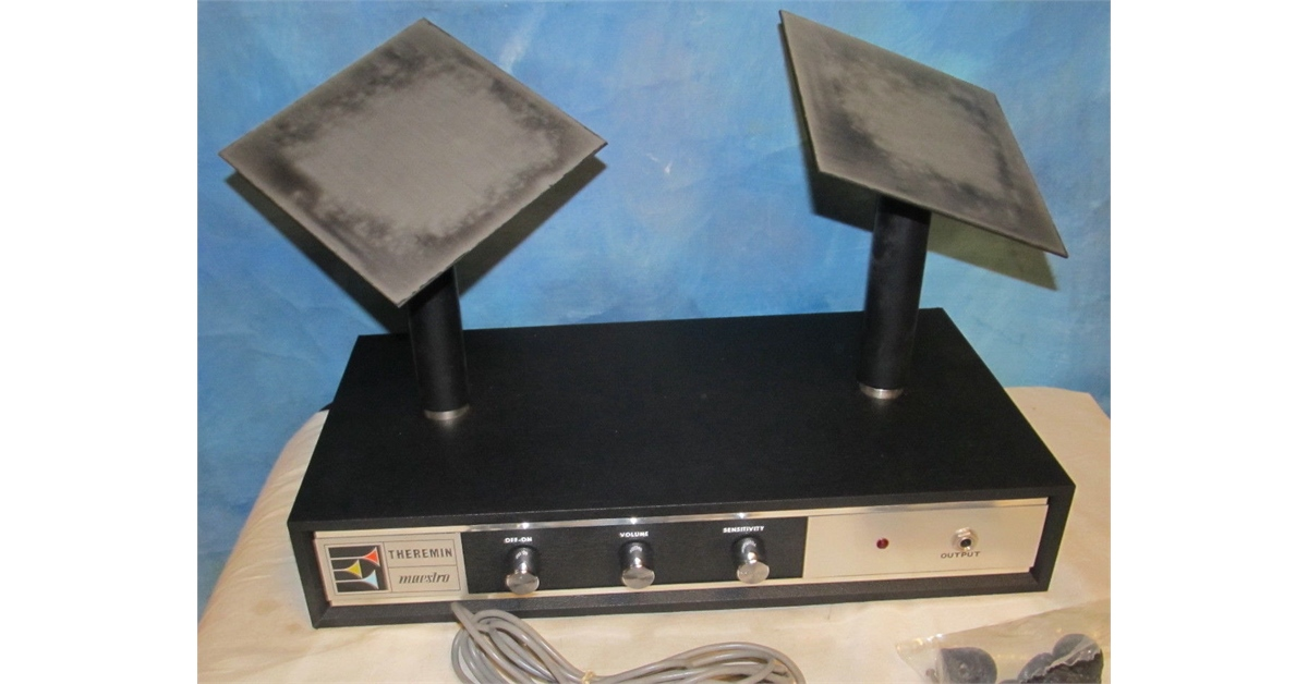theremin world brand new vintage maestro theremin on ebay. Black Bedroom Furniture Sets. Home Design Ideas