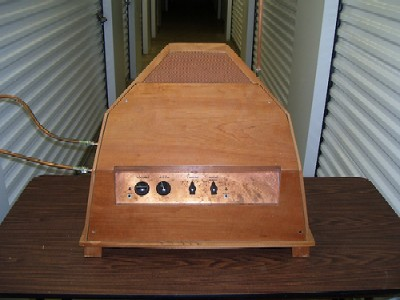 http://www.thereminworld.com/files/Articles/13798/images/Series 91 Model C Theremin Prototype