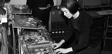 Delia Derbyshire cutting tapes