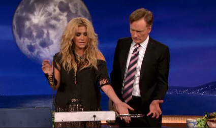 Ke$ha shows Conan how to play her theremin.