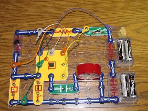 Snap Circuit Light Theremin