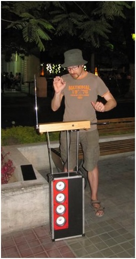 Wavingbox busking in Mexico