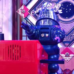 Robby The Robot Playing A THEREMIN