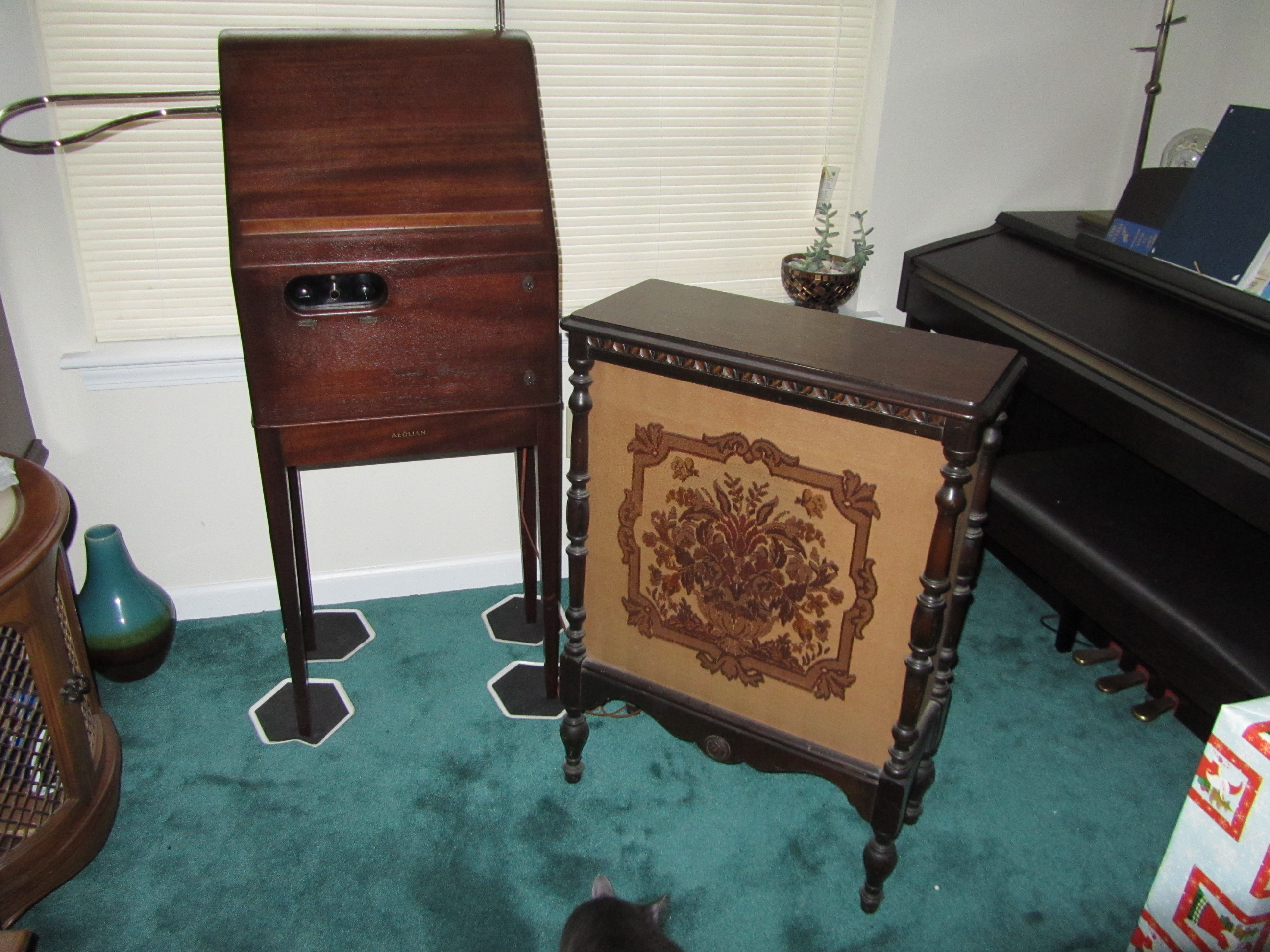 theremin world rca theremin 200047 for sale with rca 106 speaker. Black Bedroom Furniture Sets. Home Design Ideas