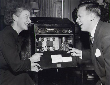 image of Rosen and Lawrence with open theremin